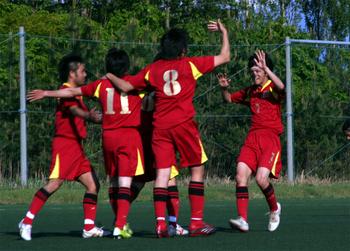 アップルスポーツカレッジサッカー部201002.jpg