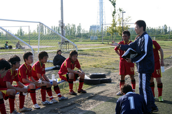 アップルスポーツカレッジサッカー部201003.jpg
