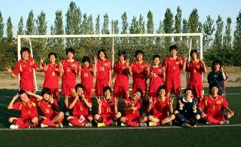 アップルスポーツカレッジサッカー部201005.jpg